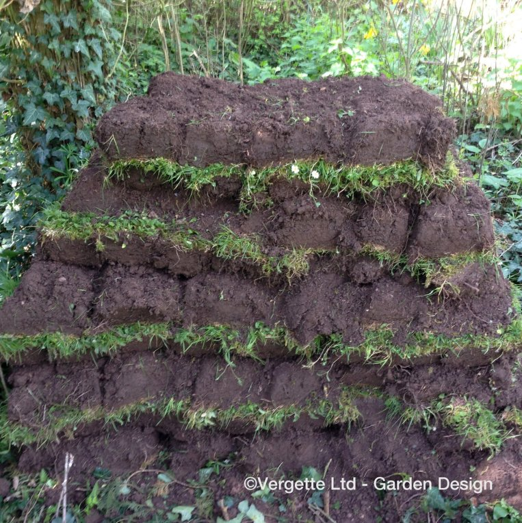 Vergette Ltd Garden Design How to Build a Turf Stack 3