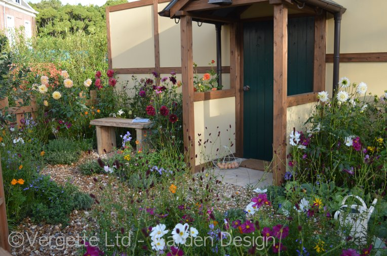 Intermingling perennials and annuals cottage stylie